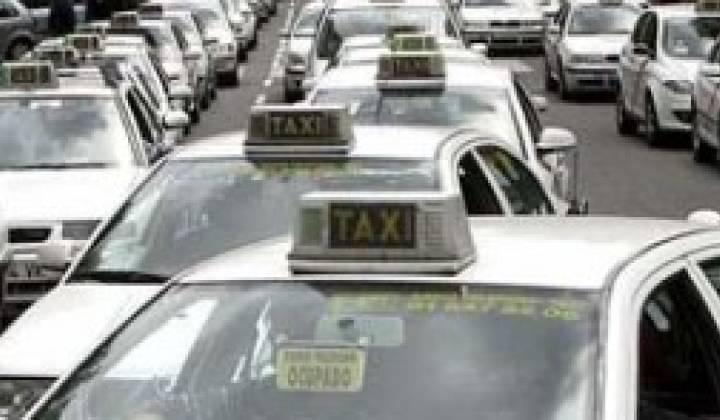 Immagine articolo: Ragusa: messe a bando 14 licenze taxi e 59 autorizzati per servizio di noleggio con conducente