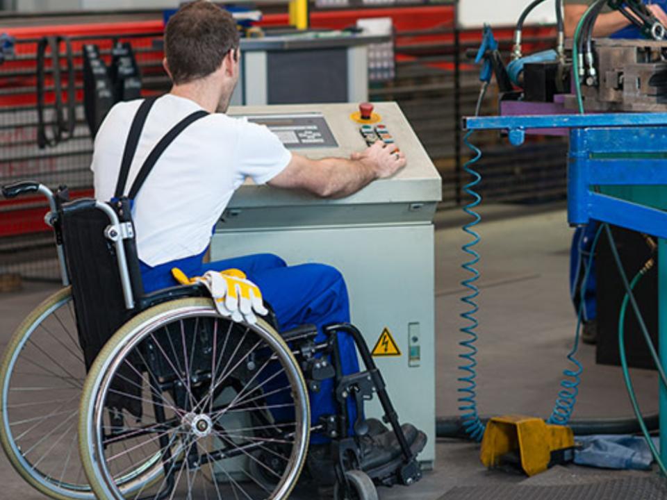Immagine articolo: 22.000.000€ per finanziare progetti per l'occupabilità di persone con disabilità, vulnerabili ed a rischio esclusione con l'avviso 19/2018 del FSE Sicilia