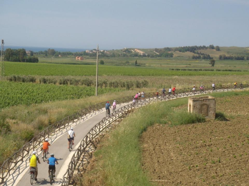 Immagine articolo: Arriva Comuni in Pista: Contributi per finanziare gli investimenti su piste ciclabili e strutture di supporto